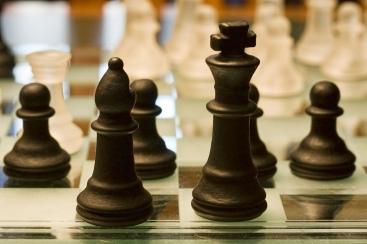 chess game. liz west on Flikr. https://www.flickr.com/photos/calliope/5347237755